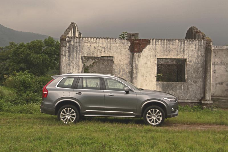 Volvo XC90 Images 10