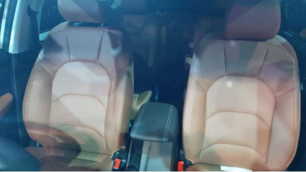 MG Hector Plus interior
