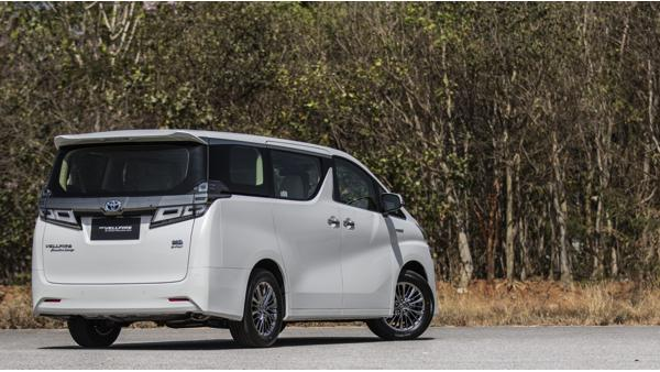 Toyota Vellfire Executive Lounge First Drive Review