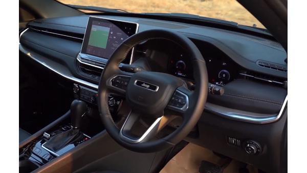 2021-Jeep-Compass-dashboard