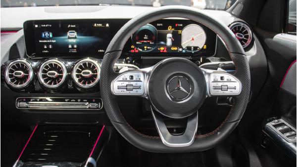 2021 Mercedes-Benz GLA Class interior