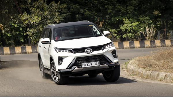 Toyota Fortuner Legender First Drive Review - CarTrade