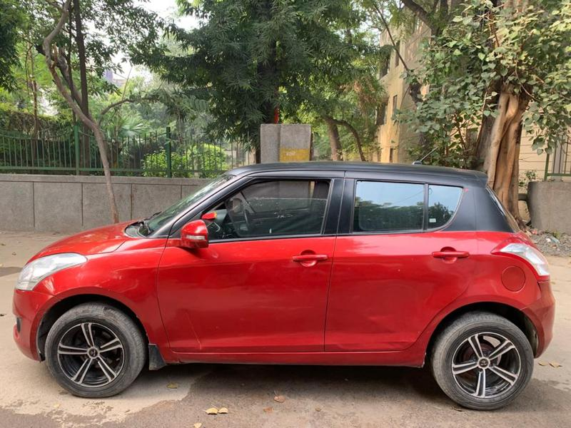 Used 2013 Maruti Suzuki Swift Car In New Delhi