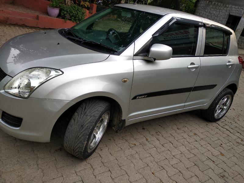 Used 2010 Maruti Suzuki Swift Car In New Delhi