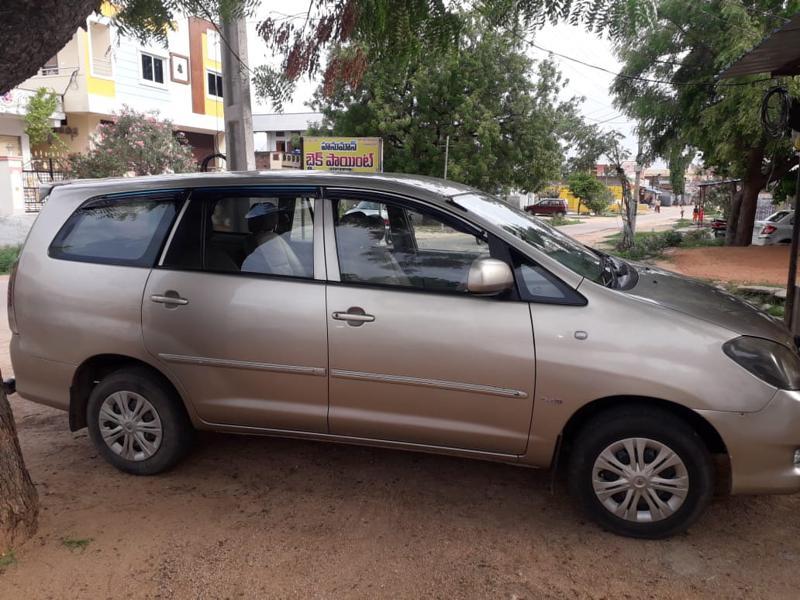 Used 2009 Toyota Innova Car In Hyderabad