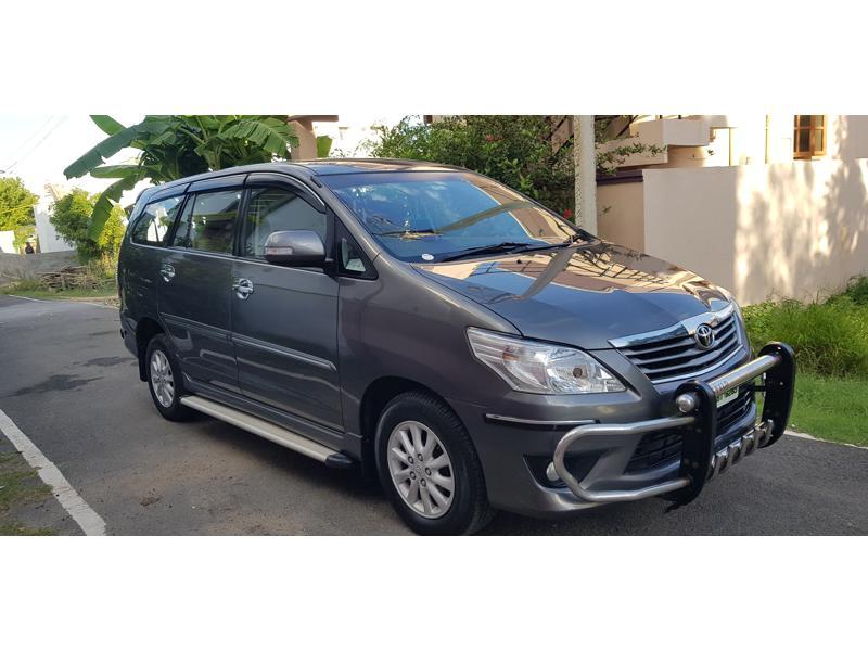 Used 2013 Toyota Innova Car In Coimbatore