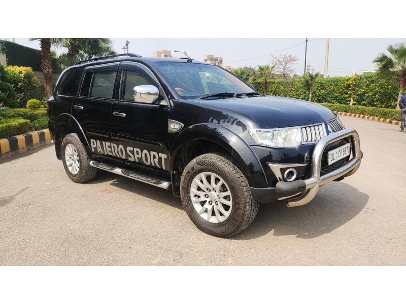 Used 2013 Mitsubishi Pajero Sport Car In New Delhi