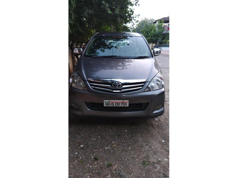 Used 2010 Toyota Innova Car In Akola