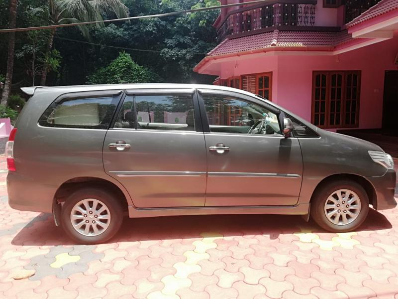 Used 2012 Toyota Innova Car In Kottayam