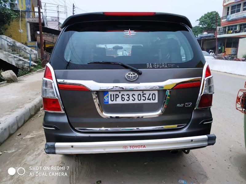 Used 2013 Toyota Innova Car In Mirzapur
