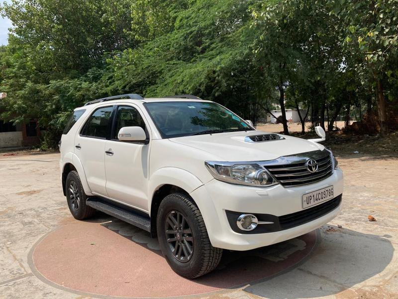 Used 2015 Toyota Fortuner Car In New Delhi