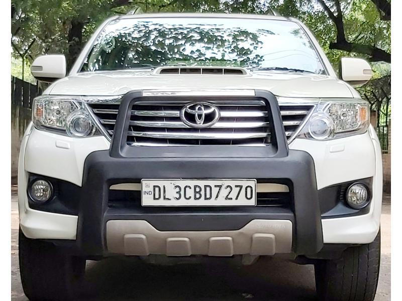 Used 2013 Toyota Fortuner Car In Noida