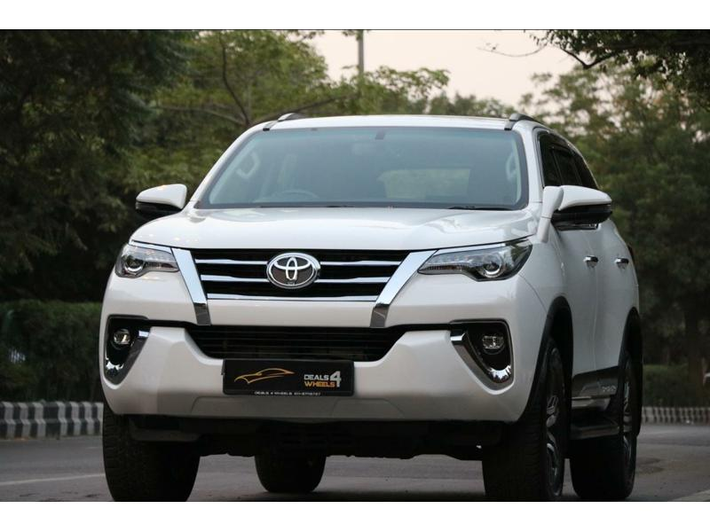 Used 2019 Toyota Fortuner Car In Noida