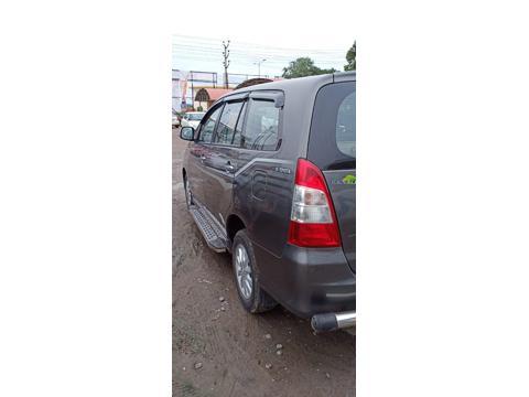 Toyota Innova 2.5 VX 8 STR BS IV (2012) in Vijayawada