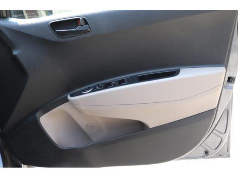 Hyundai Grand i10 Magna U2 1.2 CRDi (2015) in Ahmedabad