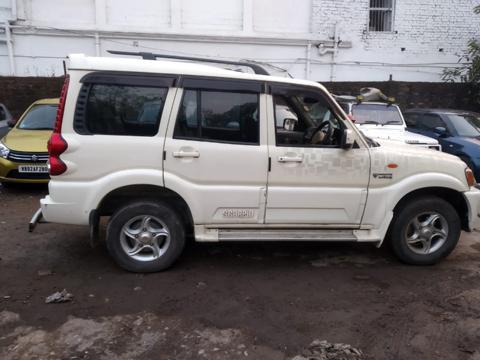 Mahindra Scorpio VLX 4WD Airbag BS IV (2011) in Kolkata