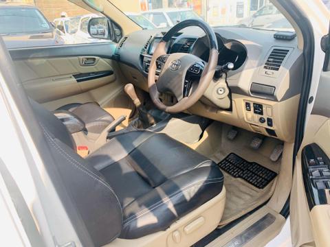 Toyota Fortuner 3.0 4X2 MT (2013) in New Delhi