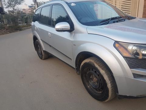 Mahindra XUV500 W6