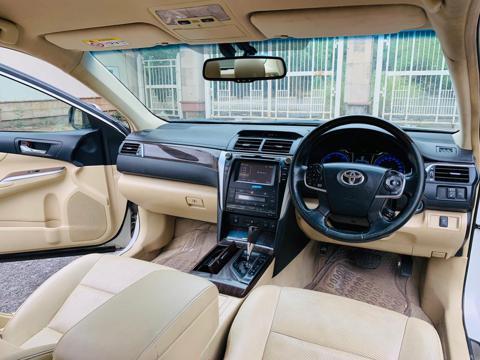 Toyota Camry Hybrid (2016) in Faridabad