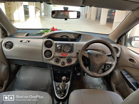 Toyota Etios Liva GD (2011) in Raisen