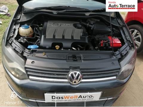 Volkswagen Polo Highline1.2L (D) (2015) in Chennai
