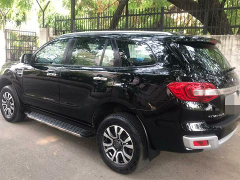 Ford Endeavour Titanium Plus 2.2 4x2 AT (2019) in Ghaziabad