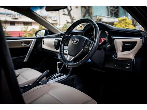 Toyota Corolla Altis 1.8V L (2016) in Mumbai
