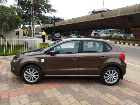 Volkswagen Polo Highline Plus 1.0 (P) 16 Alloy (2019) in Bangalore