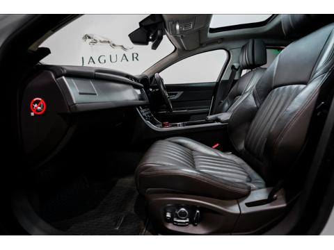 Jaguar XF Portfolio Petrol (2018) in Mumbai
