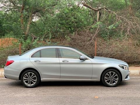Mercedes Benz C Class 220 CDI Avantgarde (2018) in New Delhi