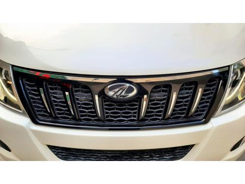 Mahindra XUV500 W10 AWD (2015) in New Delhi