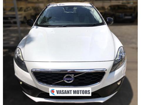 Volvo V40 Cross Country T4 Momentum (2016) in Hyderabad
