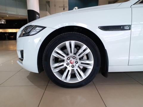 Jaguar XF Portfolio Petrol (2018) in Sangli