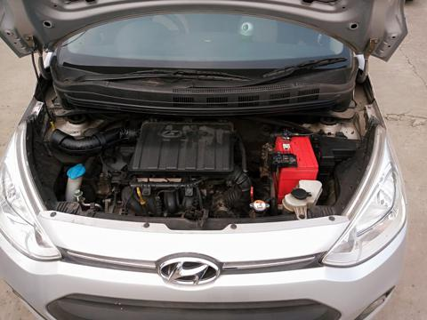 Hyundai Grand i10 4 Speed Automatic Asta (2015) in Kolkata