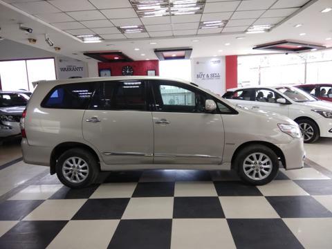Toyota Innova 2.5 VX 7 STR BS IV (2014) in Tumkur