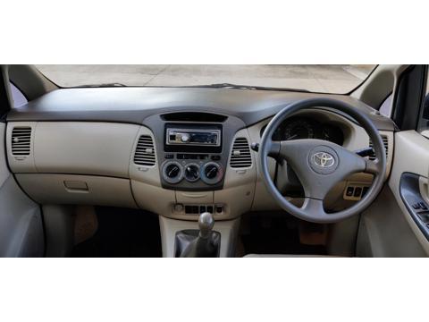 Toyota Innova 2.5 G (Diesel) 8 STR Euro3 (2009) in Thane