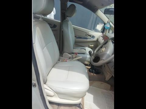 Toyota Innova 2.5 G (Diesel) 8 STR Euro4 (2006) in Hyderabad