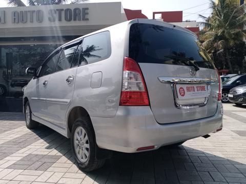 Toyota Innova 2.5 VX (Diesel) 8 STR Euro3 (2013) in Malegaon