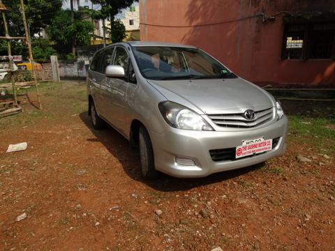 Toyota Innova 2.5 G4 8 STR (2009) in Kharagpur