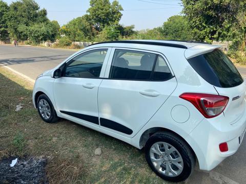 Hyundai Grand i10 Sportz 1.1 U2 CRDi Diesel (2016) in Udaipur