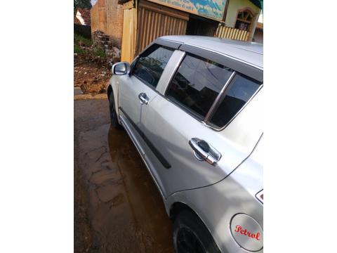 Maruti Suzuki Swift Old LXi 1.3 (2005) in Chhindwara
