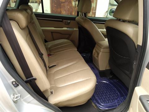 Hyundai Santa Fe 4 WD (2012) in Wardha