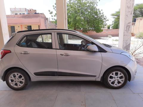 Hyundai Grand i10 Sportz 1.1 U2 CRDi Diesel (2014) in Bikaner