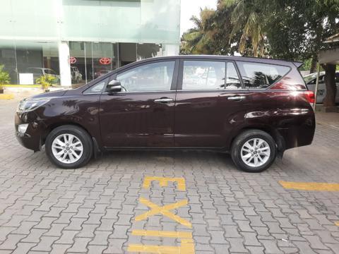 Toyota Innova Crysta 2.4 VX 7 Str (2017) in Bangalore
