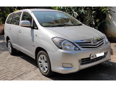 Toyota Innova 2.5 G (Diesel) 8 STR Euro4 (2010) in Nagpur