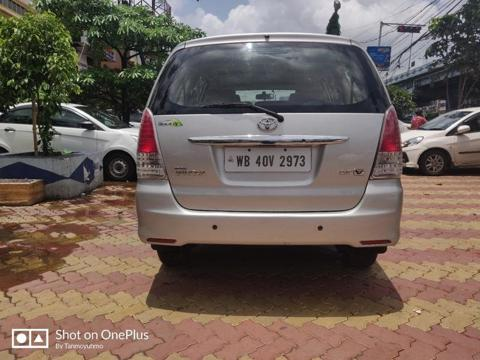 Toyota Innova 2.5 VX 8 STR BS IV (2011) in Kolkata
