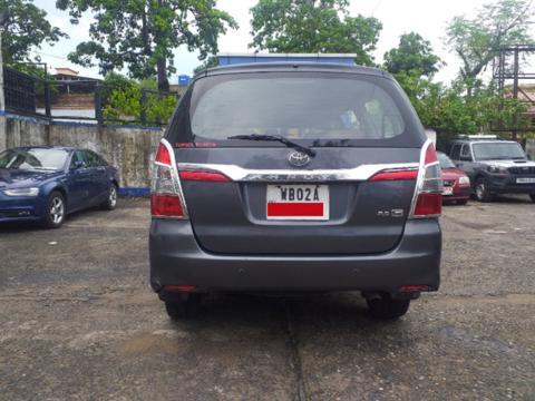 Toyota Innova 2.5 G (Diesel) 8 STR Euro4 (2015) in Asansol