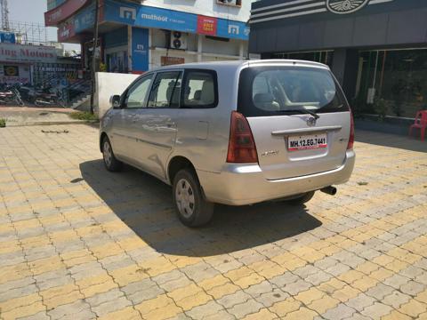 Toyota Innova 2.5 G (Diesel) 8 STR Euro4 (2007) in Parbhani