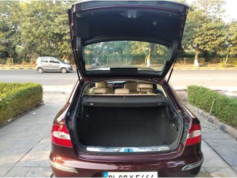 Skoda Superb 1.8 TSI MT Elegance (2012) in New Delhi