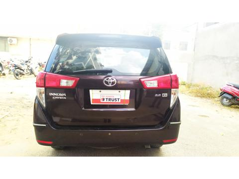Toyota Innova Crysta 2.5 GX 7 STR BS IV (2016) in Bangalore